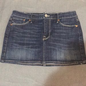 Levi's mini jean skirt. Worn 1 time. Great shape!
